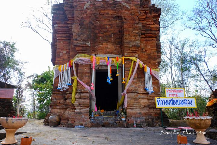Prasat Khao Noi Si Chomphu