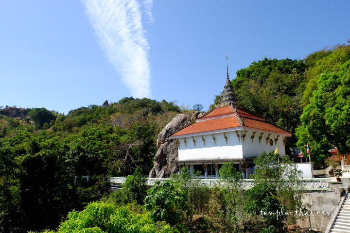 Wat Khao Cha Ngok