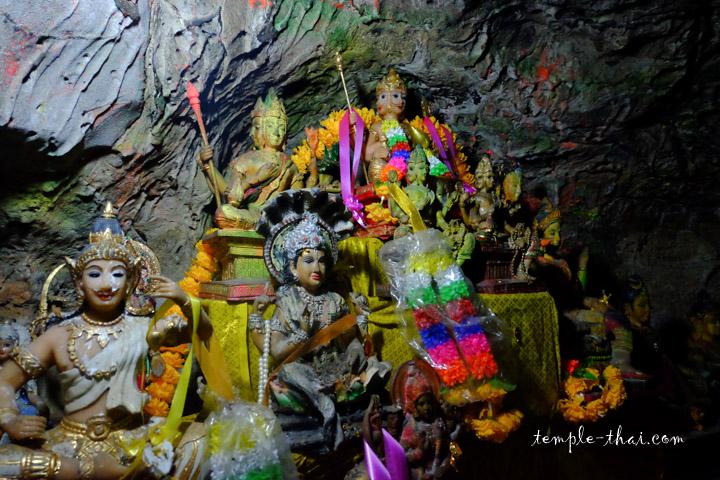 Statuettes grotte