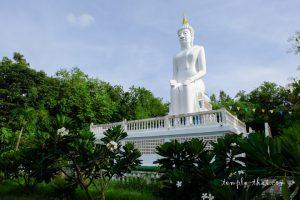 Le Bouddha Paleilaï, érigé en 1987