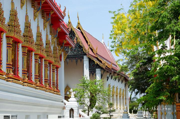 Wat Khae Nok
