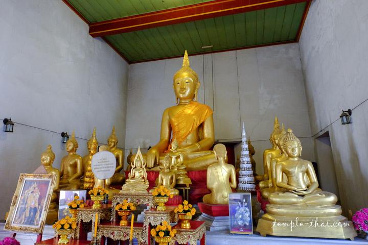 bouddha sur son autel
