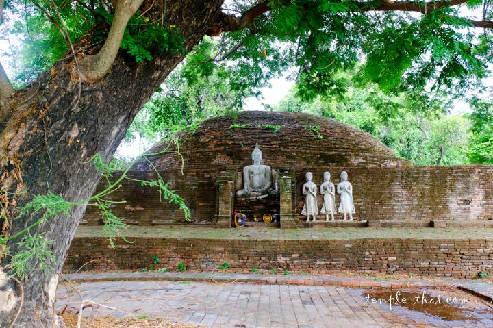 Stupa effondré
