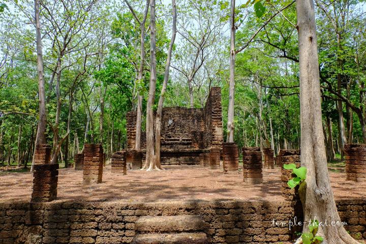 Wat Phranon Kamphaeng Phet
