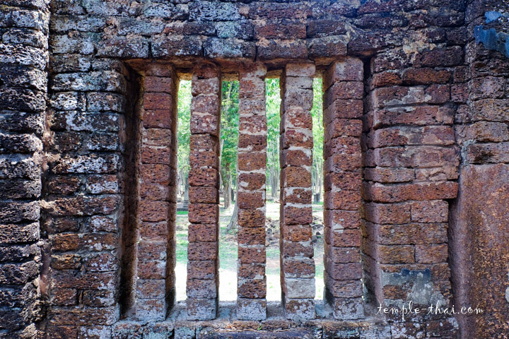 Fenêtre à balustre