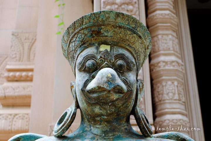 Statue style néo-khmer