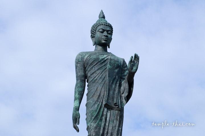 bouddha marchant bronze