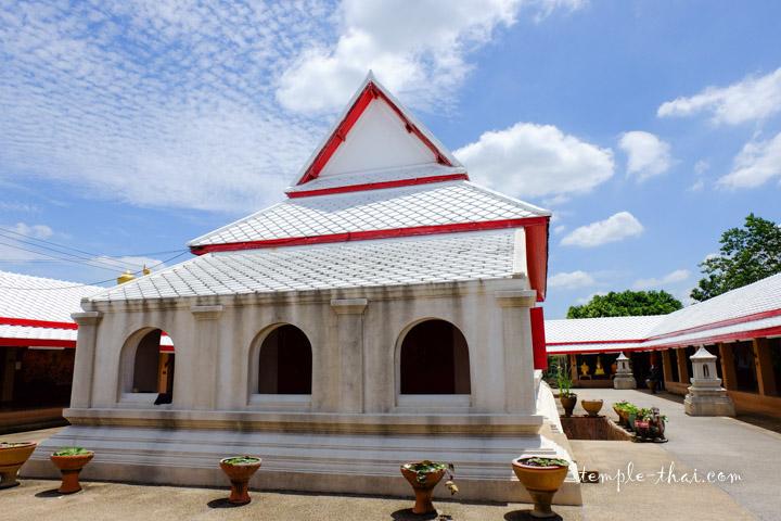 Wat Phraya Suren