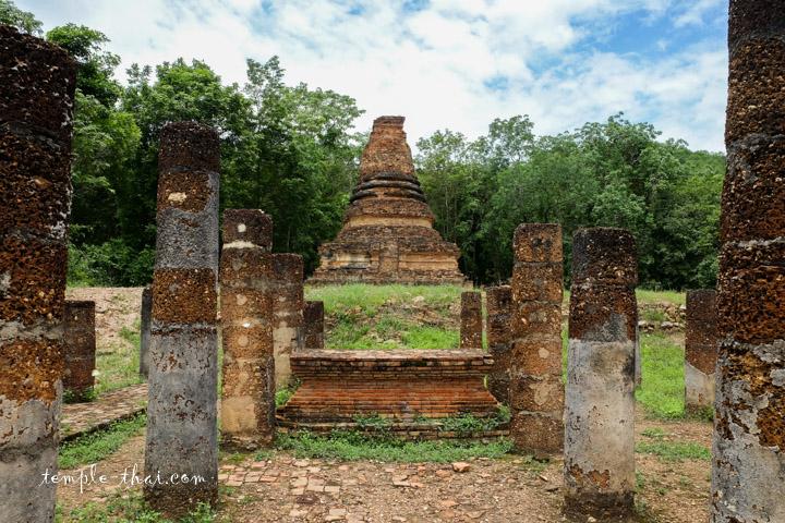 Wat Tham Hip Bon