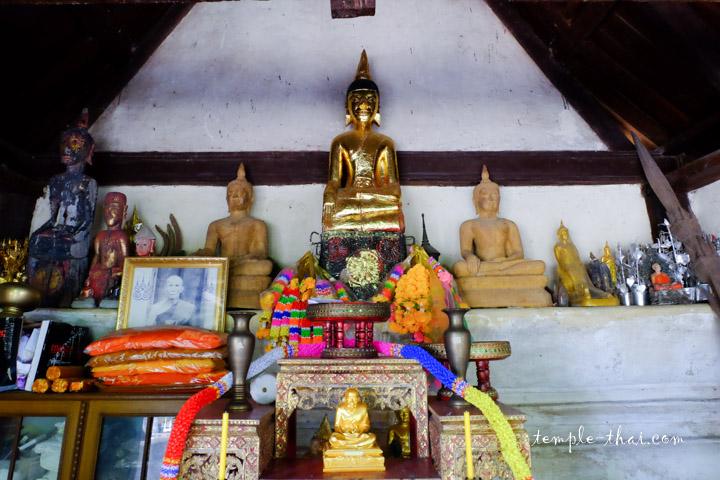 Wat Traiphum Phue Hi