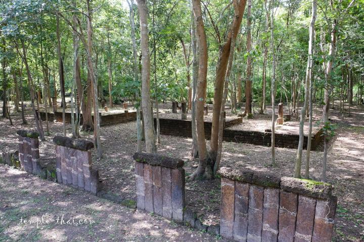 Wat Kru Si Hong