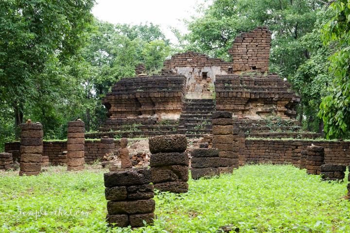 Wat Khao Kaeo Si Satchanalai