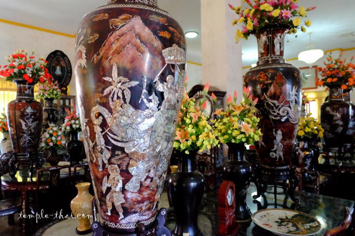 Vases marrons