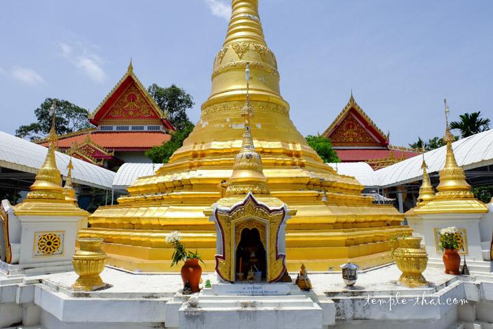 Wat Phai Lom Koh Kret