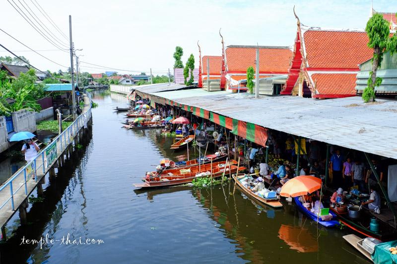 Wat Takhian Floating Market