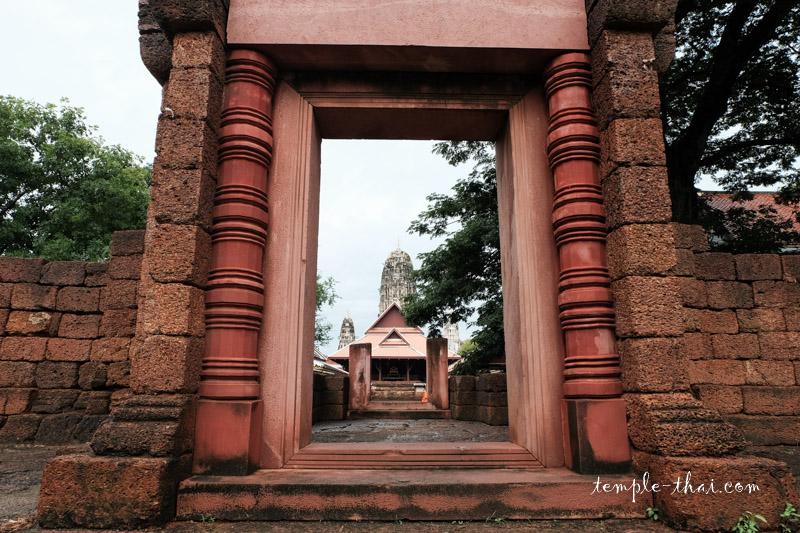 Wat Mahathat Worawihan Ratchaburi
